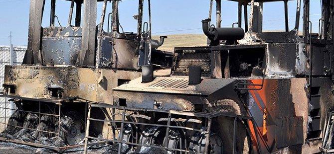 PKK Üç Kentte 36 İş Makinesi Yaktı