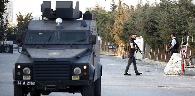 İstanbul-Esenyurt'ta Polis Merkezine Silâhlı Saldırı!
