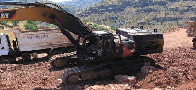 PKK 5 İş Makinesini Yaktı