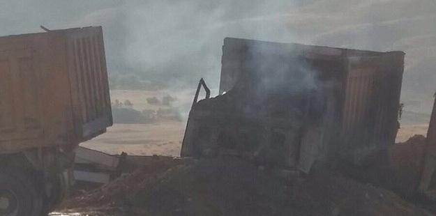 PKK'lılar 18 İş Makinesi ve 6 Konteynerı Yaktı!