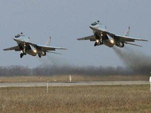 Rusya, Suriye'ye Savaş Uçağı Sevkiyatı Haberlerini Yalanladı