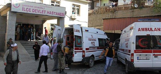 Hakkari'de Askeri Aracın Geçişi Sırasında Patlama
