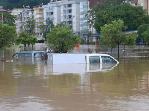 Artvin'de Sel Felaketi: 8 Ölü