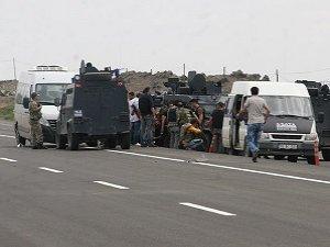 Iğdır'da Polis Servisine Saldırı