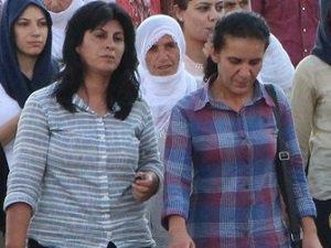 Sara Kaya ve Zeynep Algan Gözaltına Alındı