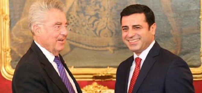 Demirtaş, Avusturya Cumhurbaşkanı İle Görüştü