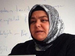 Türkiye'nin İlk Başörtülü Bakanı