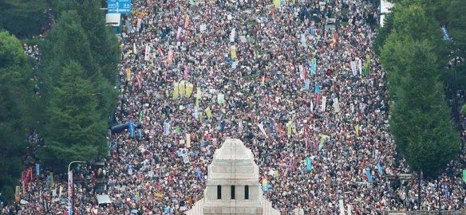 On Binlerce Japon 'Savaşa Hayır' Dedi