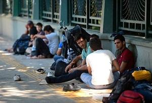 IŞİD Zulmü 70 Bin Kişiyi Evinden Etti!