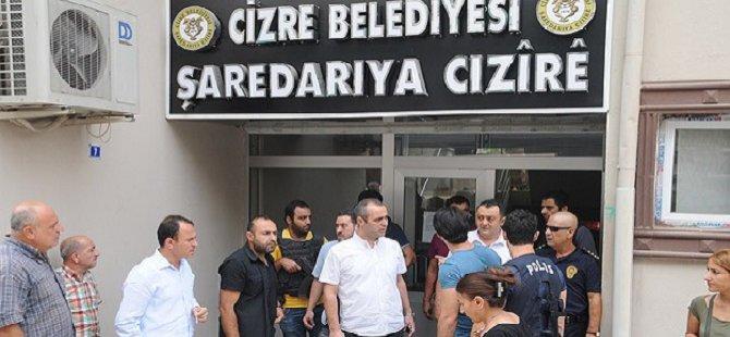 Şırnak'ta Müfettişleri Koruyan Polislere Saldırı