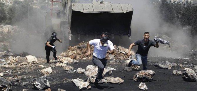 İsrail Askeri Buldozerlerle Kenti Bastı