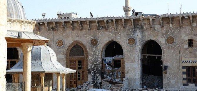 Suriye'de Rejim Camileri Bombalıyor