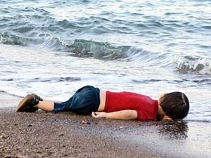 """""""Bir Âyet Gibi: Kıyıya Vuran Çocuk"""""""