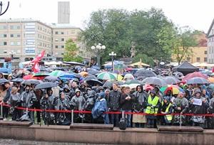 """İsveç'te """"Mülteciler Hoş Geldiniz"""" Eylemi"""