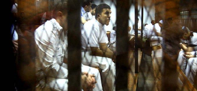 Mısır'da Darbe Karşıtı 9 İhvan Üyesine İdam
