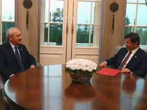 Başbakan Davutoğlu Ile Kılıçdaroğlu Görüştü