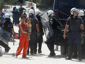 'Suyun Öte Yanı' Sığınmacılar İçin Çile Dolu