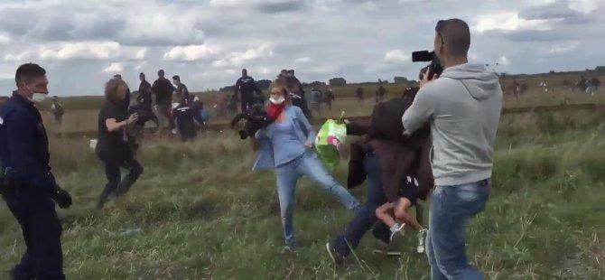 Kadın Kameraman Mülteciye Çelme Taktı