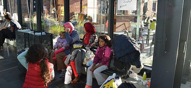 Binin Üzerinde Sığınmacı Danimarka'dan İsveç'e Geçti