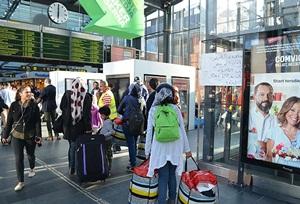 """3 Günde En Az 3 Bin """"Sığınmacı"""" Danimarka'ya Girdi"""