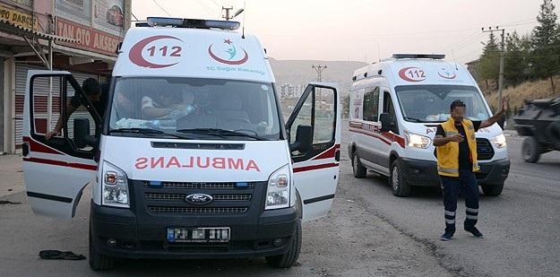 Cizre'de PKK'lılar Ambulans Yağmaladı!