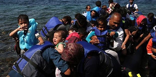 """""""Sığınmacı""""lar Yunanistan Adalarına Akın Ediyor"""