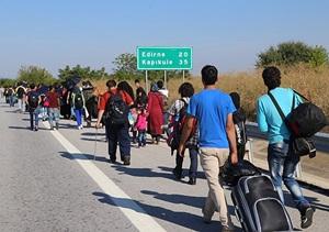 Suriyeliler Yunanistan'a Gitmek İçin Edirne'de Toplandılar