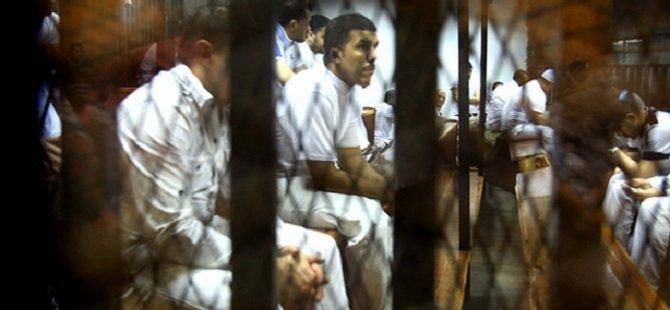 Mısır'da 8 İhvan Üyesine İdam