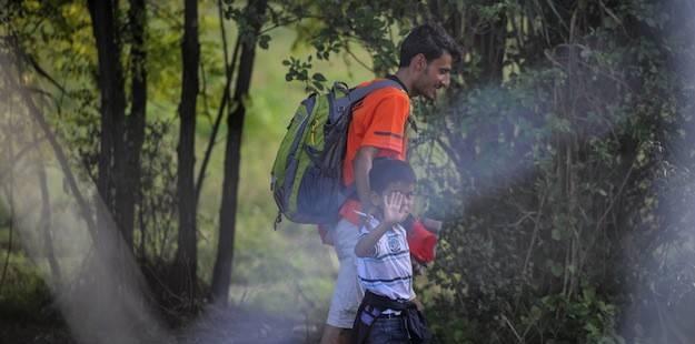 """Macaristan Sınırı Kapattı, """"Sığınmacı""""lar Hırvatistan'a Yöneldi"""