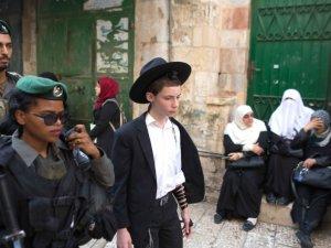 Siyonist İsrail'in Mescid-i Aksa'ya Yönelik İhlâlleri Sürüyor