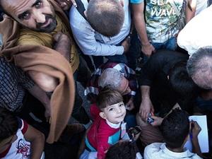 """""""Mülteci""""ler İstanbul Otogarında Beklemeye Devam Ediyor"""