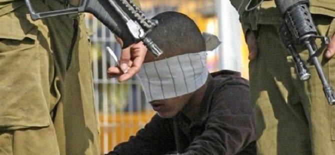 Siyonistler 10 Yaşındaki Çocuğu Gözaltına Aldı