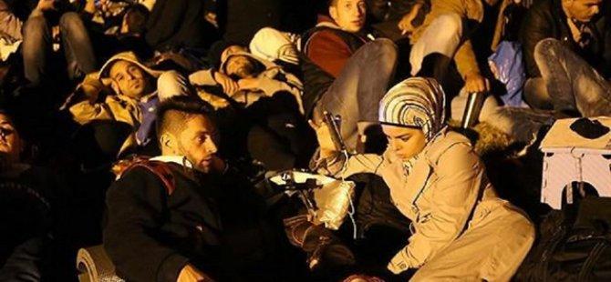 Sığınmacılar Kırkpınar Meydanı'na Götürülüyor