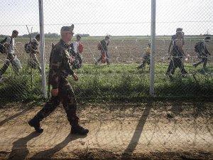 Macar Ordusuna Sığınmacılara Müdahale İzni