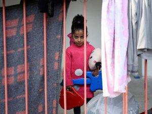 Edirne'deki 1500 Sığınmacı İstedikleri Şehirlere Gönderildi