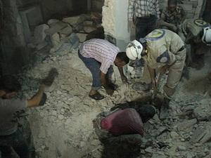 Esed Güçleri Halep'i Bombaladı, 12 Kişiyi Daha Katletti!
