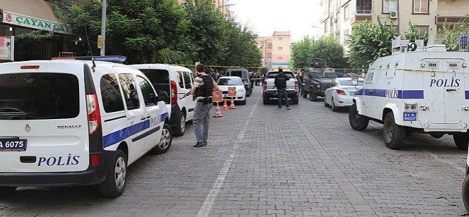 Diyarbakır'da Polis Aracına Saldırı: 2 Polis Hayatını Kaybetti