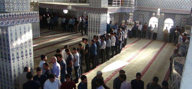 Boykotlar Müslümanların Bayramına Engel Olamadı