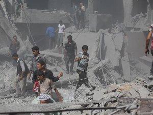 Esed Güçlerinden İdlib'e Vakum Bombalı Saldırı