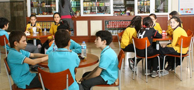 Okul Kantinlerinde Gazlı İçecek ve Cips Yasaklanıyor