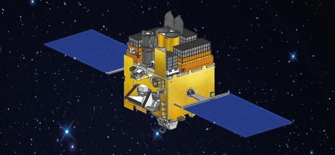 Hindistan İlk Astronomi Uydusunu Ateşledi