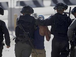 İşgal Güçleri Doğu Kudüs'te 31 Filistinliyi Gözaltına Aldı