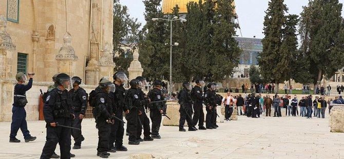 İşgalci İsrail Güçleri Mescid-i Aksa Muhafızını Gözaltına Aldı!