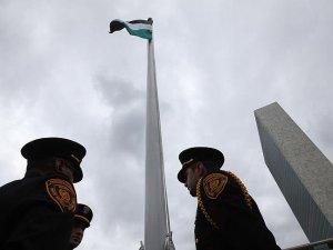 Filistin Bayrağı BM'de Düzenlenen Törenle Göndere Çekildi