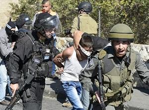 İsrail Polisi 6'sı Çocuk 12 Filistinliyi Gözaltına Aldı!