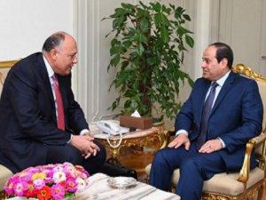 Darbeci Sisi'den Katil Rusya'ya Destek