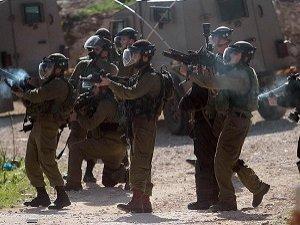 El-Halil'in Güneyindeki Çatışmalarda İki İşgal Askeri Yaralandı