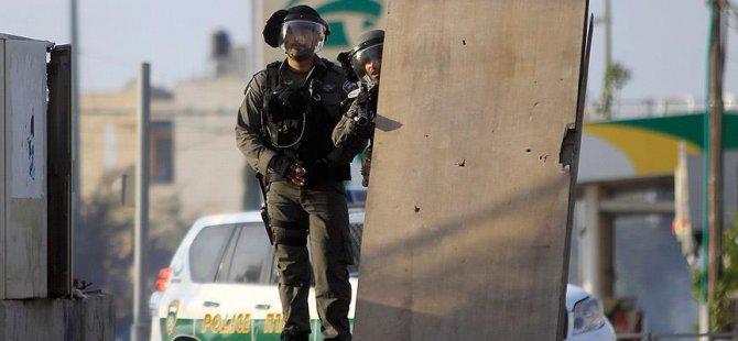 Cenaze Bekleyen Filistinlilere Silahlı Müdahale