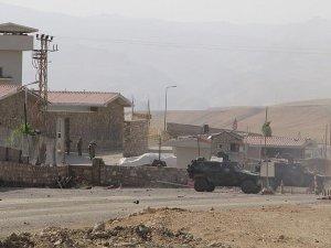 Van'da Karakola Saldırı: 9 Yaralı