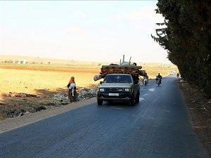 Rus Saldırısı Suriye'de Halkı Yerinden Etti